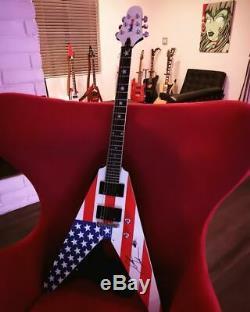 Washburn V American Flag 2008 RARE Alan Jackson signed MINT